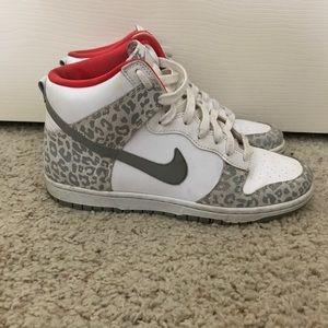 skinny dunk sneaker nike floral size 4 sneaker nike fff5fe9eb909